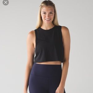 Lululemon black cropped muscle tee